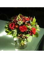bouquet rouge sombre roses et pattes de kangourou