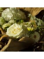 détail rose crème et hortensia